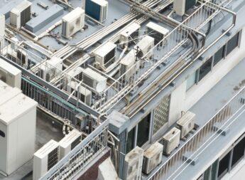 スカイダクトTRシリーズで、ビルの屋上配管を整理して収納!保守性、施工性が向上